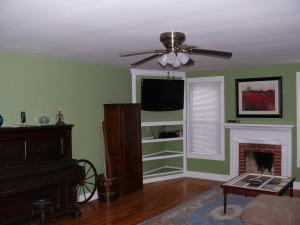 2350 Diamond Hill Neese Road - Living Room