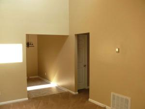 Lexington Heights - Living Room